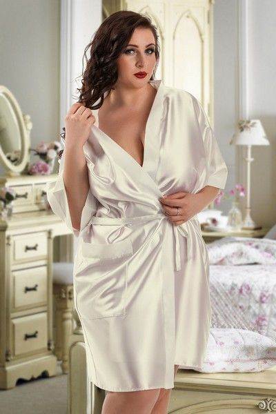 Ivory Satin Bridal Dressing Gown (UK 22 / 24)