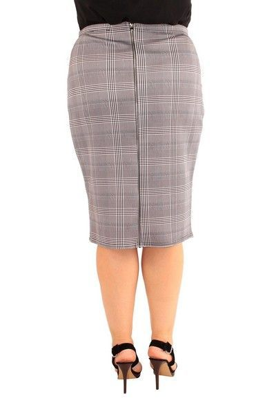 Kym Check Knee Length Skirt (UK 24)